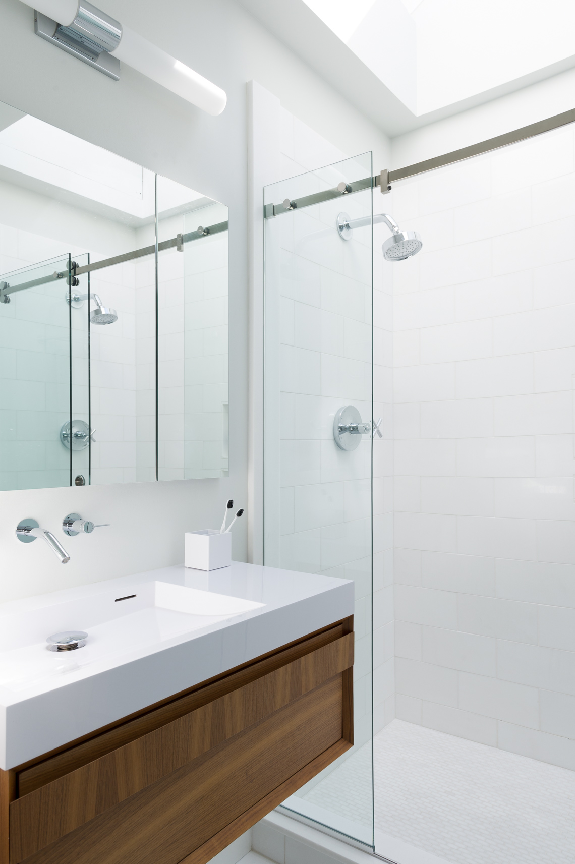 NYC Interior Photographer - Montuak House Bathroom Shower 2